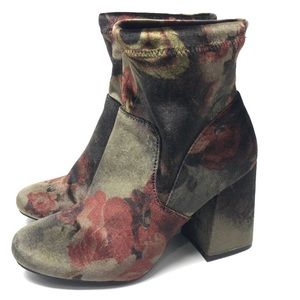 ⬇️Velvet Ankle Boots Block Heel Size 8 NWT